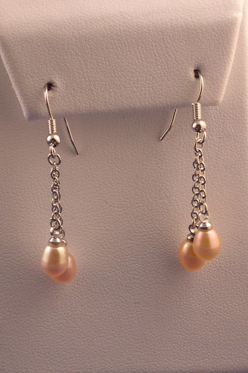 Double Freshwater Cultured pearl drop earring