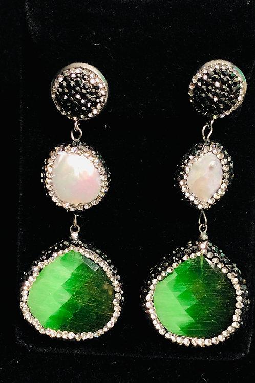 Swarovski crystal drop GREEN earring in Freshwater pearls