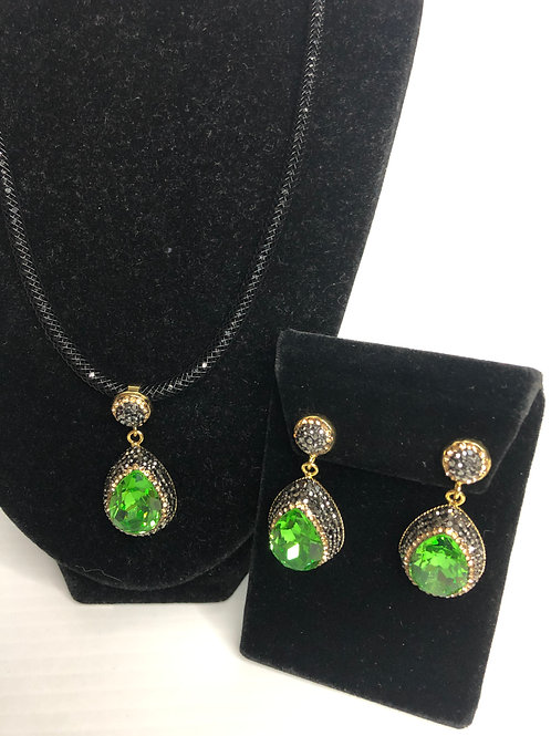 Tear drop Spring Green on Gold crystal Pendant & Earrings