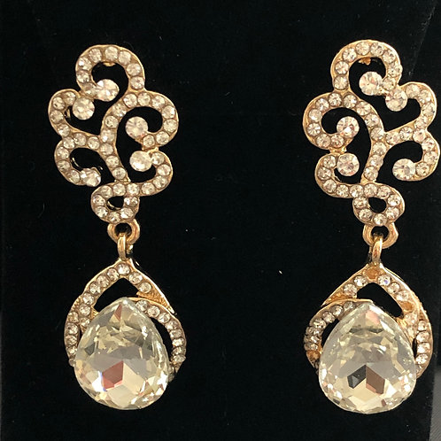 Gold and clear intricate design pierced earring
