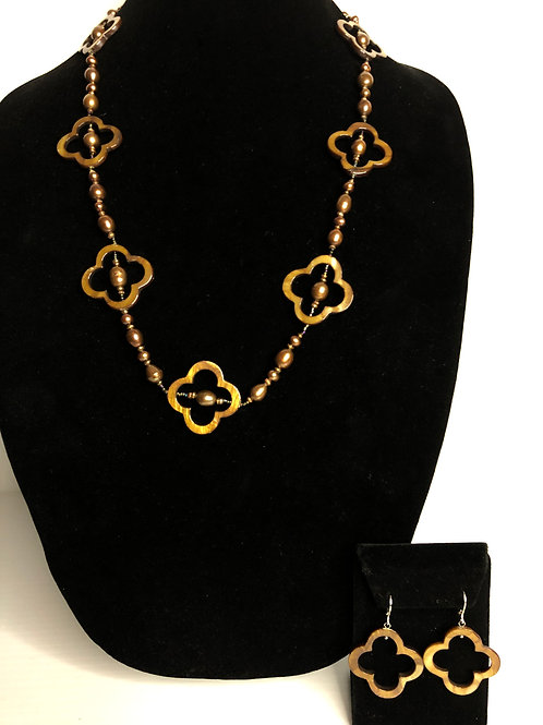 Mother of Pearl brown FWP Necklace & Earrings