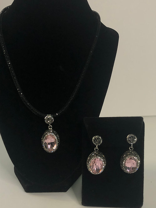 Black mesh necklace with oval shaped SET in Pink