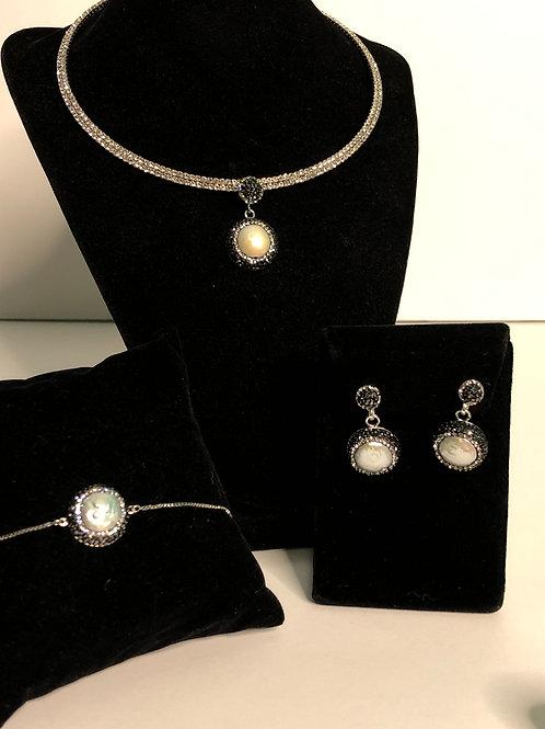 3 pc set - silver collar and white Freshwater pearls & Swarovksi