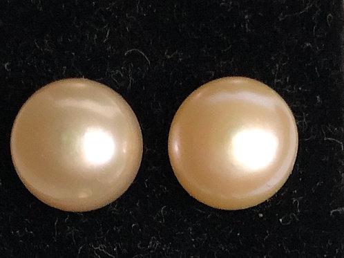 8-9 MM Freshwater Cultured Pearl stud earring