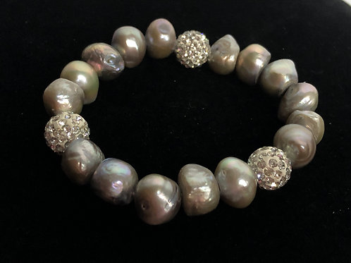 Light gray elastic Freshwater pearls with clear crystals