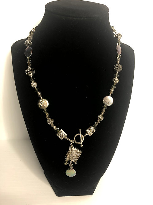 """""""Y"""" drop light gray Freshwater cultured pearl necklace"""
