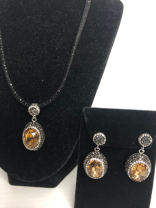 Oval CHAMPAGNE Austrian crystal Pendant & Earring set