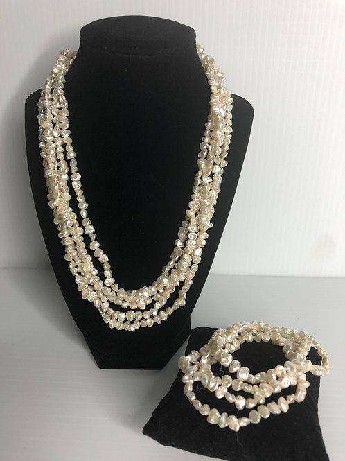 5 strands white FWP necklace with 5 elastic bracelets