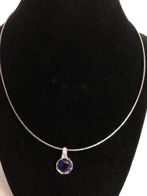 Designer look ROUND silver pendant in cubic zircon on wire chain