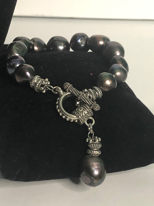 Large baroque Freshwater Cultured pearl bracelet