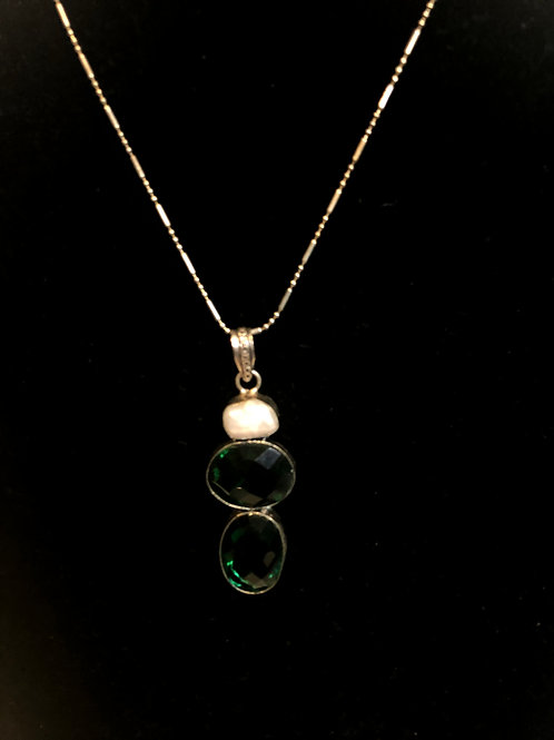 Emerald sapphire Freshwater Cultured pearl necklace