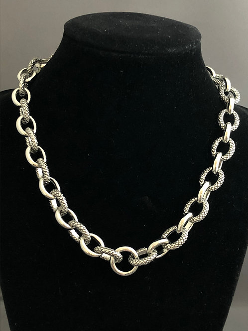 Designer look heavy two tone chain in rhodium with lobster claw adjustable clasp