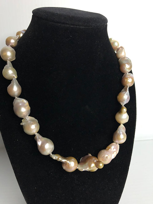White/Creme large mm Baroque FWP necklace