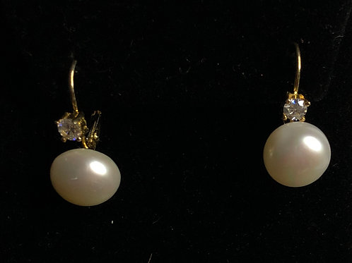 Gold Freshwater Pearl Earring with Swarovksi Crystals