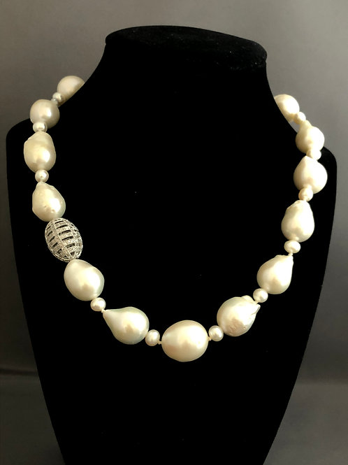 White large mm Freshwater Cultured pearl necklace