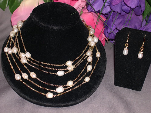 Multi layered goldset in Freshwater pearls