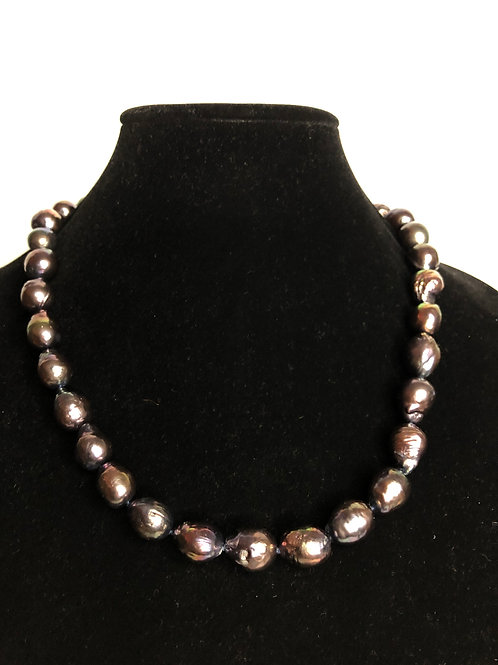 Black Freshwater Cultured pearl baroque necklace