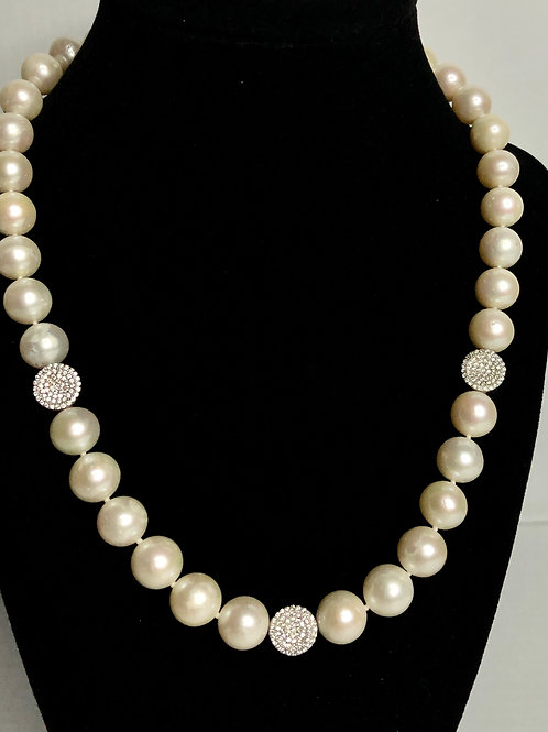 White single strand Freshwater Cultured pearl necklace