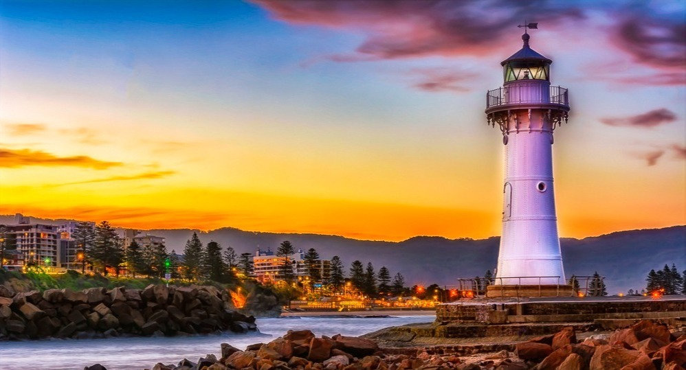 The-Lighthouse-Wollongong-Harbour_edited