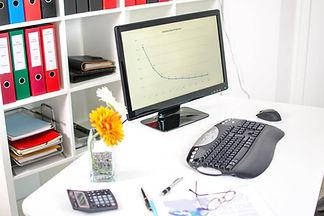 Schreibtisch-AdobeStock_71288015.jpg