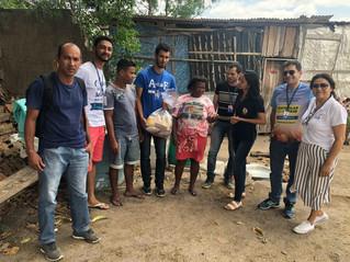 """""""Engenharia Civil Solidária"""" da FASB entrega 400kg de alimentos para famílias carentes em Teixeira d"""