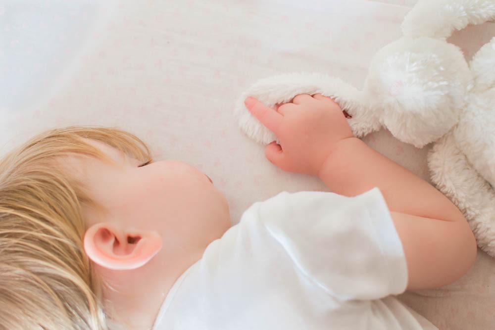 Girl sleeping. Family Photography Natali
