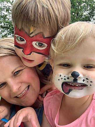 Natalie Avery (family photographer) and family