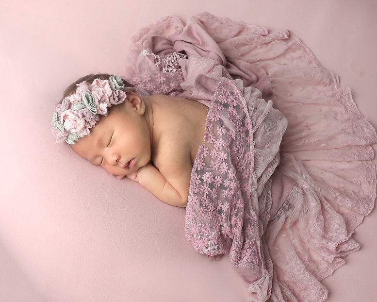 newborn-bana-A0150_edited.jpg