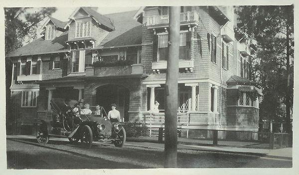 Riverdale Inn Historical Photo.jpg