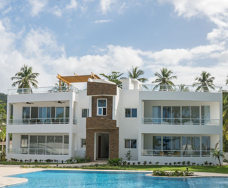 Colina Al mar offers spacious and modern beachfront apartments located just yards from the crystal blue waters of Atlantic Ocean.