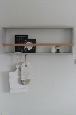 diy hylle med skinnreim // diy leather strap shelf