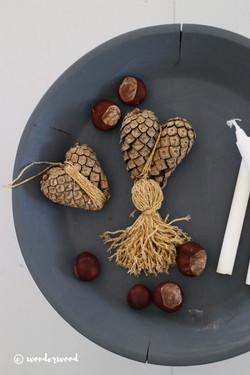 pinecone hearts