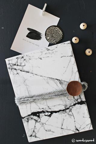 diy marmor foldeperm // diy marble accordion folder
