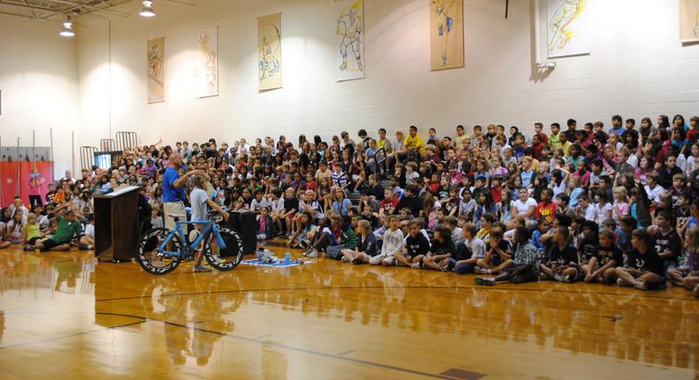 Giving presentatiosns in schools near the triathlons
