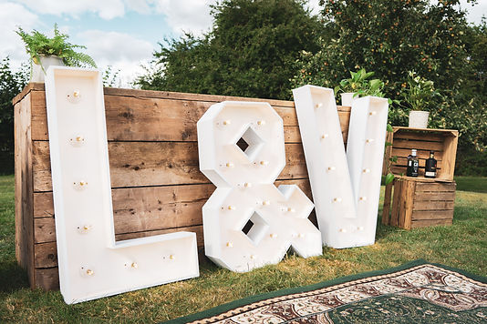 Light-up-initials-lakeside-weddings-glou