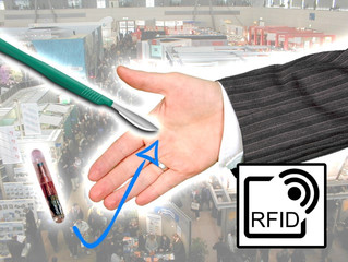 Cebit 2016: Exhibitor implanting RFID chips live