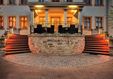 Schlosstreppe mit Terrasse