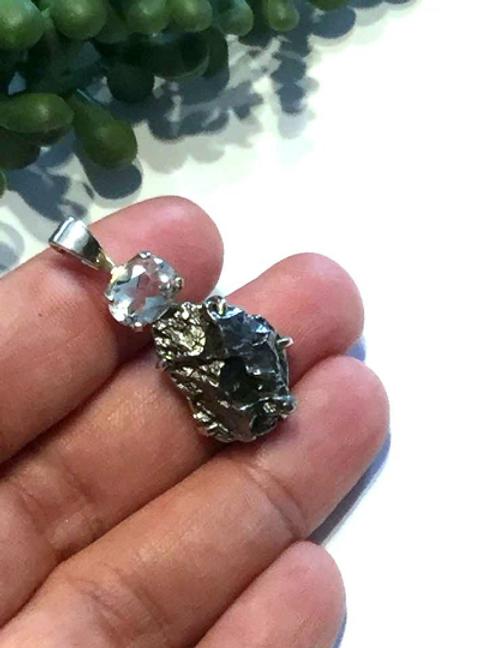 Meteorite And Herkimer Diamond Crystal Healing Pendant: Spiritual Awakening