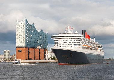 Queen Mary 2 Hamburg Elphi