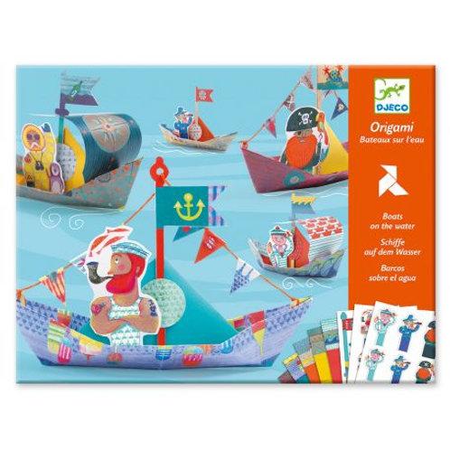 Origami bateaux sur l'eau