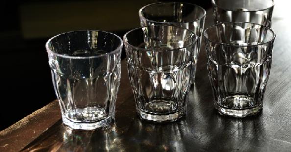 プラキラ グラス