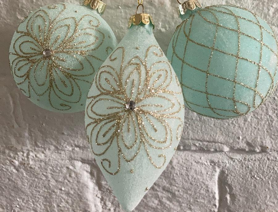 3 x Frosted Mint Baubles