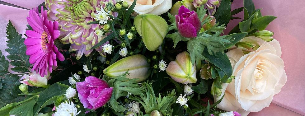 Pastel Pink - Florist Seasonal Bouquet