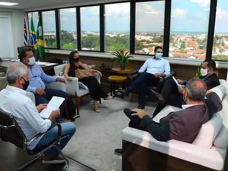 Prefeito Rafael Piovezan anuncia vinda do Assaí Atacadista para Santa Bárbara