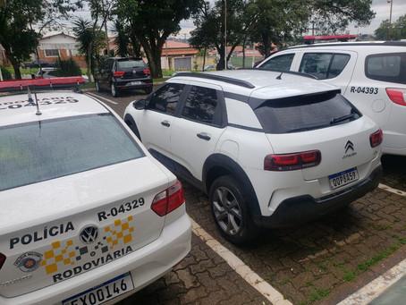 Policiais rodoviários abordaram veiculo produto de furto na rodovia dos Bandeirantes