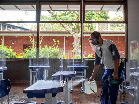 Um ano após suspensão de aulas presenciais, estudantes e famílias ainda enfrentam incertezas