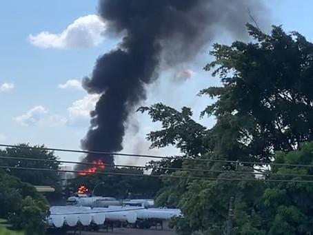 Incêndio atinge dois vagões com combustível perto da Replan, a refinaria da Petrobras em Paulínia