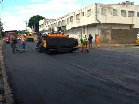 Prefeitura de Americana continua os trabalhos de recapeamento e Rua Solimões recebe melhorias