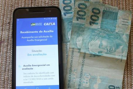 Governo federal estuda auxílio emergencial de R$ 250 por 4 meses