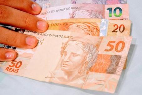 Equipe econômica prepara 'cláusula de calamidade' para voltar a pagar auxílio emergencial